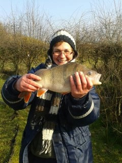 Linda catches 3lb 5oz Perch